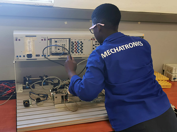 Fact-Finding-Mission: Mechatronics training in South Africa